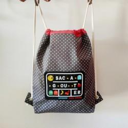 sac à goûter casse-bonbons crèche Pacman retrogamming broderie cadeau de naissance maternelle garçon original tissu enfants