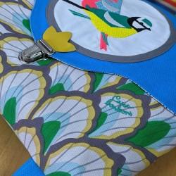 Cartable Casse-bonbons hand made maternelle école primaire belle broderie oiseaux poésie feuillage bleu enfants