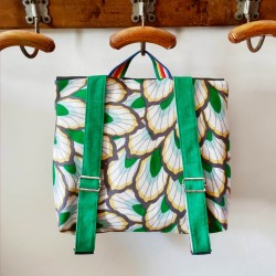 Cartable Casse-bonbons fait main maternelle école primaire broderie oiseaux poésie tissus feuillage vert enfant