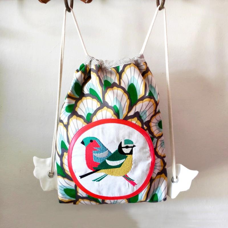 sac à goûter crèche maternelle fille créateur artisanal tissu oiseaux cadeau naissance sac à dos tissu enfant personnalisé